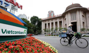 Vietcombank continues as top paymaster in banking sector