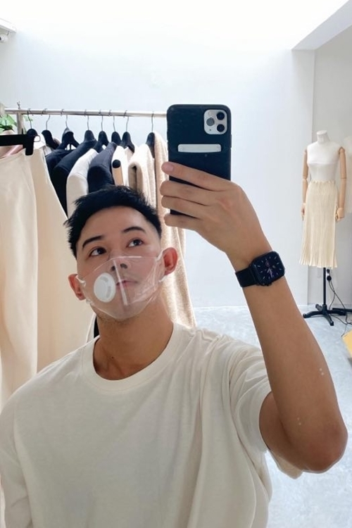 Fashion designer Lam Gia Khang shows his face with the transparent mask, which is said to be made of thermoplastic polyurethane (TPU), well known and specified in the medical industry. Photo courtesy of Lam Gia Khang.