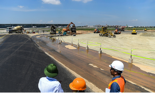 Hanoi asked to suspend projects in airport expansion area