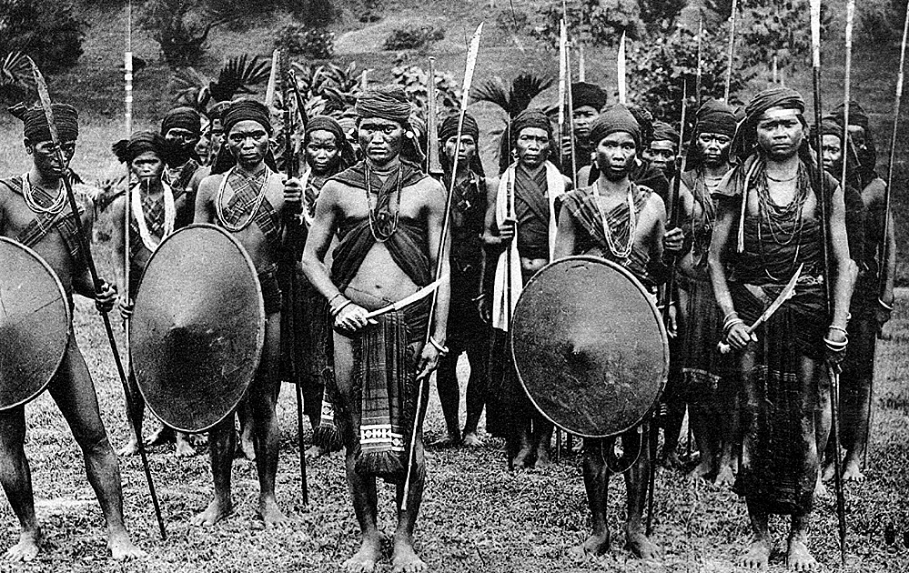 Warriors of the Thuong ethnic group living mainly in the central and sourthern regions.