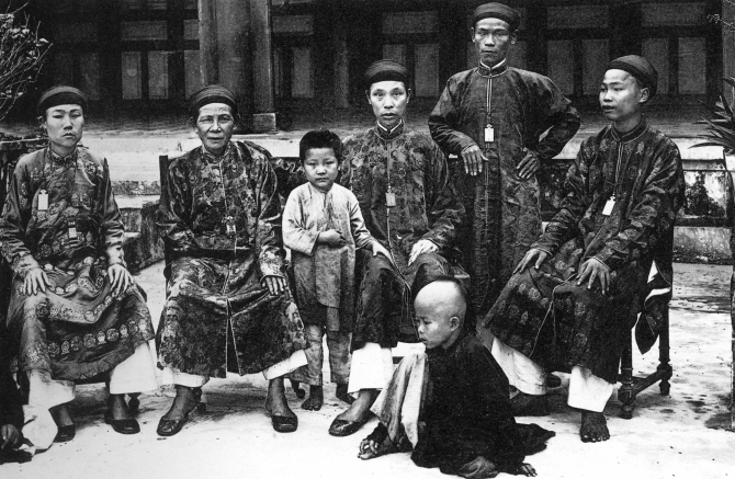 Eunuchs served under the Nguyen dynasty, Vietnams last royals. After careful selection, baby eunuchs were brought to the palace to learn proper walking, dressing and other disciplines from seniors. Many arrived aged 7 and remained at the palace until they were old.