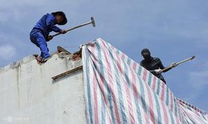 Saigon residents demolish houses for second metro line