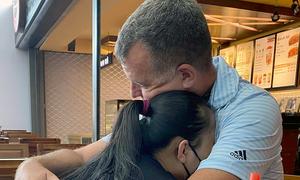 Covid-19 separation: American captain longs for Vietnamese family