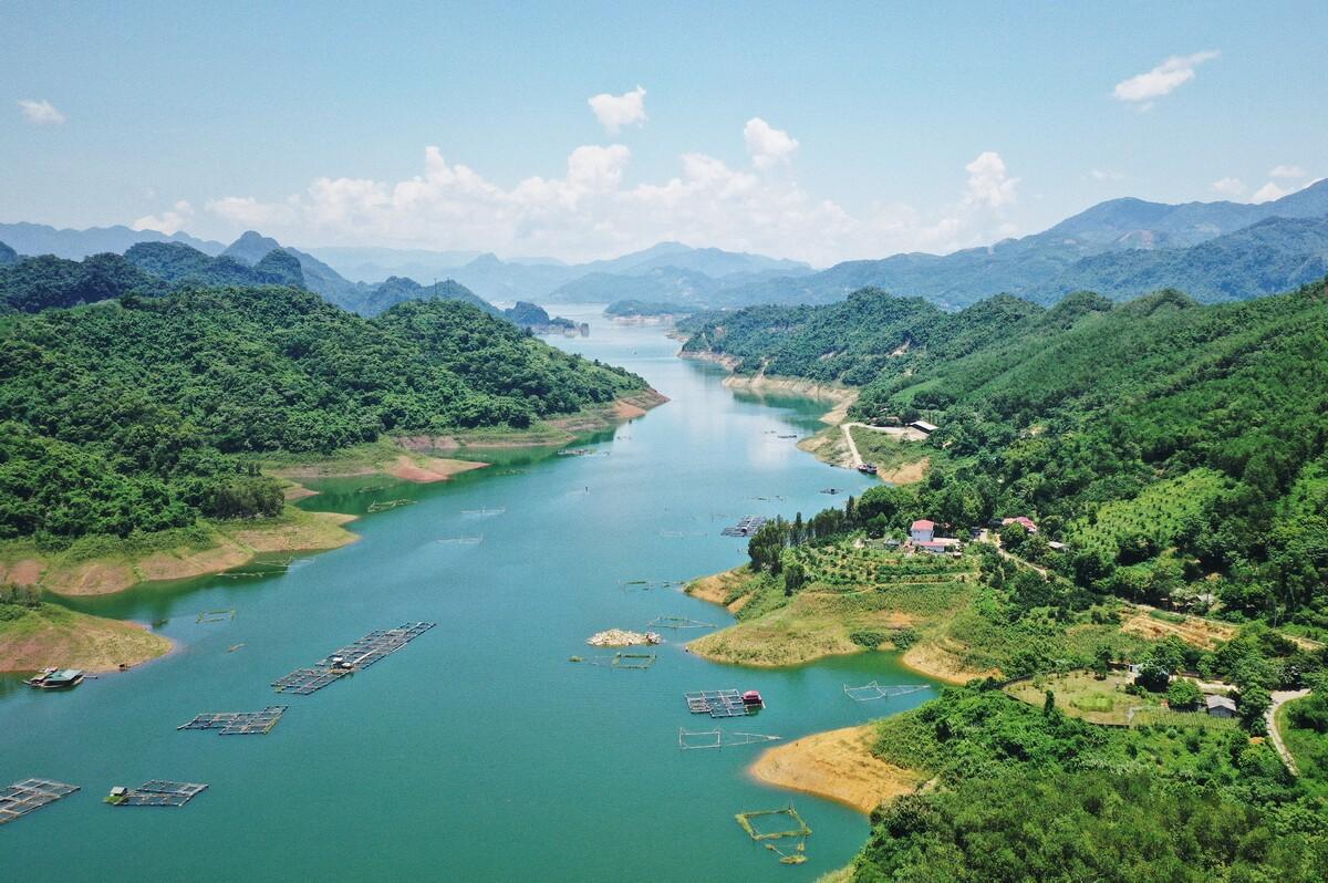 Northern Vietnam reservoir packs attractions aplenty for weekend picnics