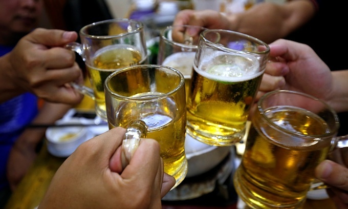 Government to slap fines for selling beer to people under 18