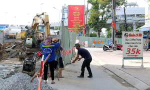 Construction sites on Saigon roads pave path to ruin for businesses
