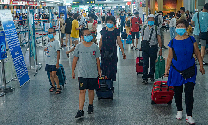 HCMC mandates Covid-19 test for people arriving from Da Nang