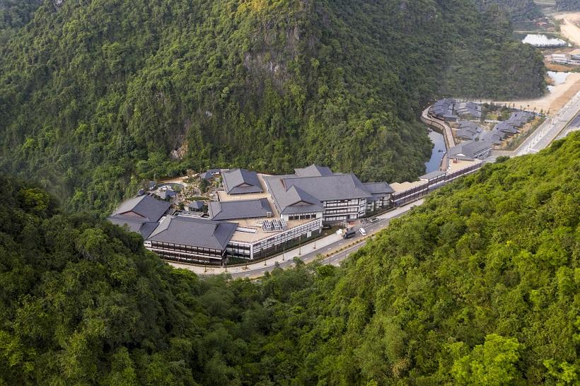 Yoko Onsen Quang Hanh Resort.