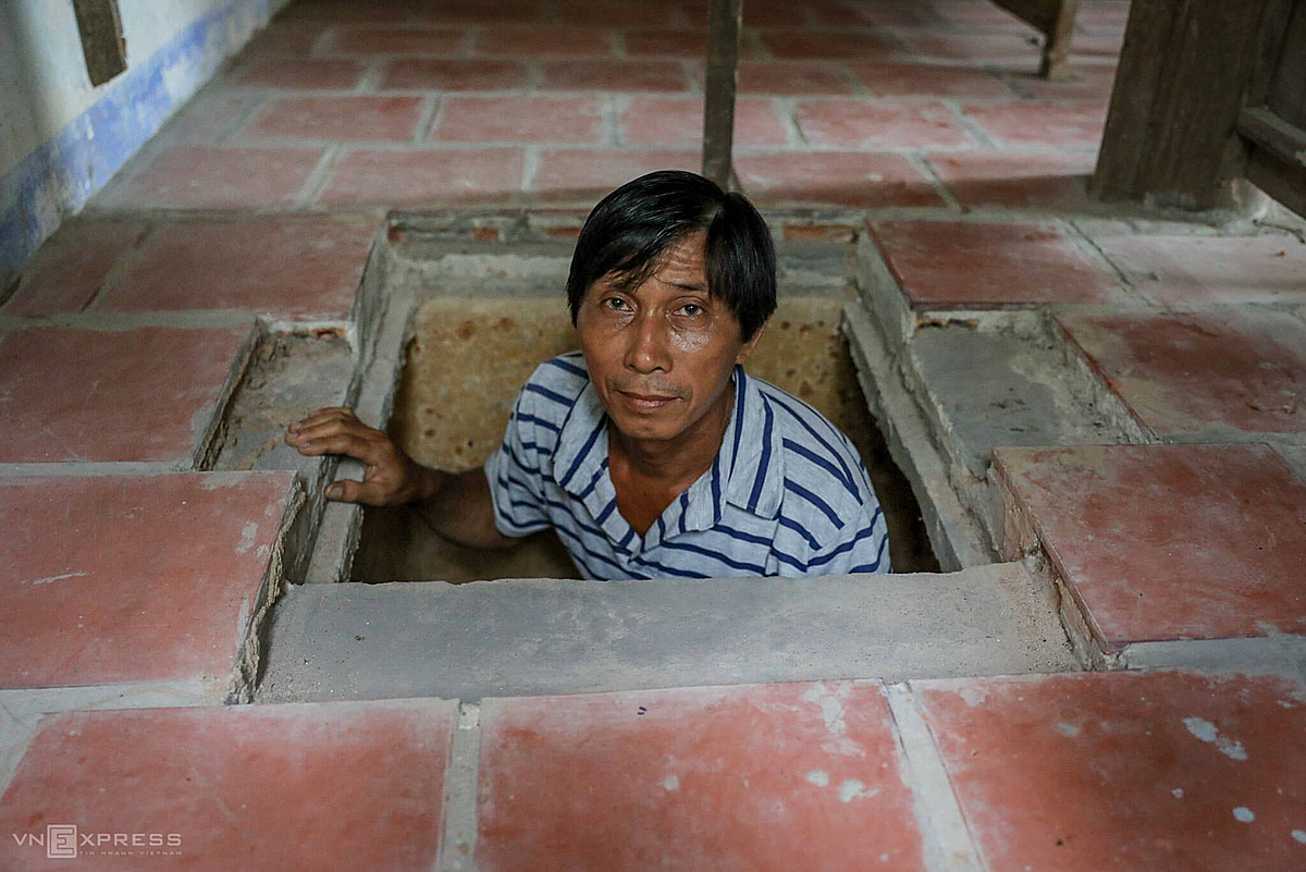 Nguyen Van Tron, the tunnel is nearly 3 meters deep and 30 meters long.