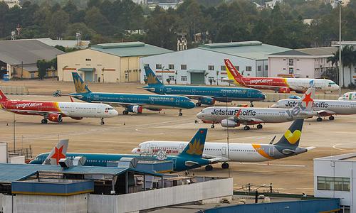 Vietnam opens door wider, resuming six international flights