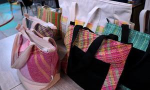 Saigon environmentalist weaves plastic waste tote bags