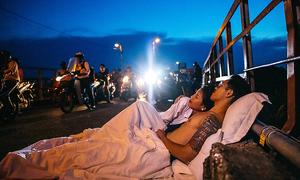 Hanoi couple take bedroom outside for pre-wedding shots