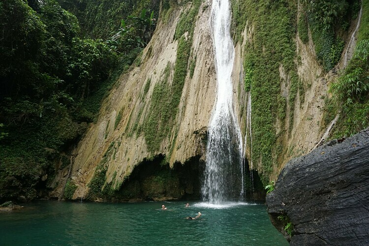 The great Khuoi Nhi waterfall.