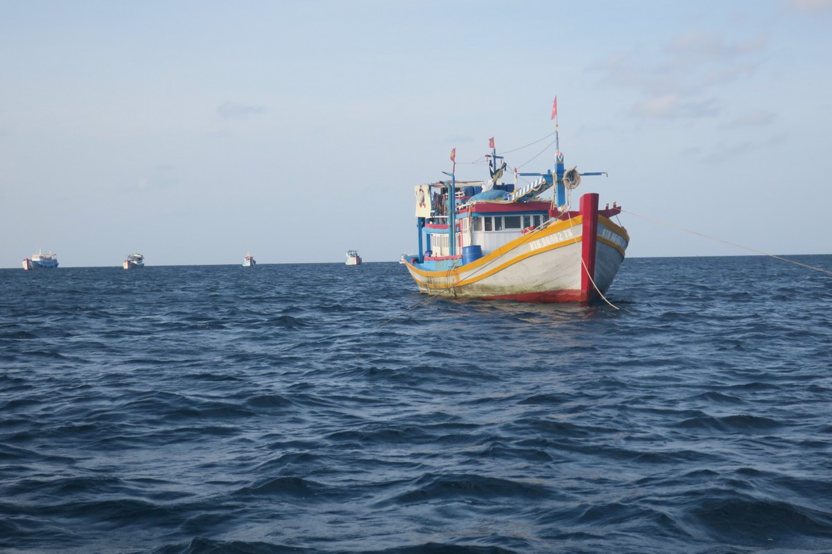 A fishing boat off the coast of Binh Thuan Province, September 2020. Photo by VnExpress/Duc Huynh