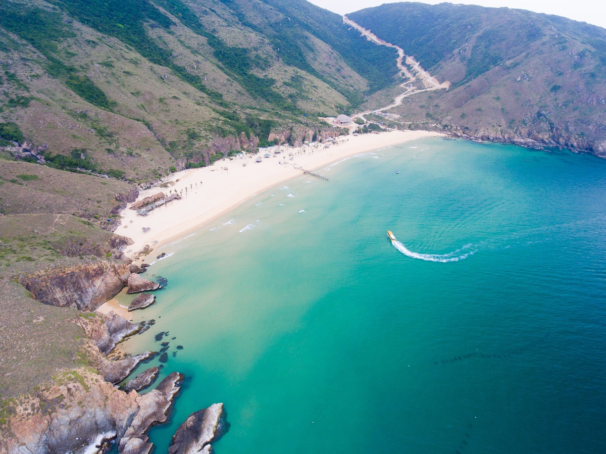 Ky Co Beach. Photo by VnExpress/Jimmy Tran.