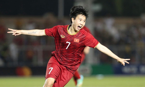 Vietnam's star midfielder refuses Portuguese club offer