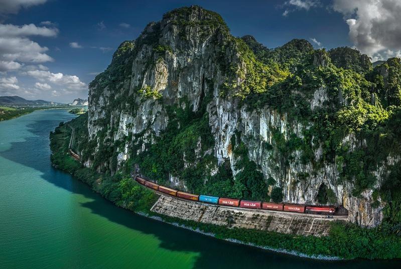 Award winning photographs present Vietnam's charm