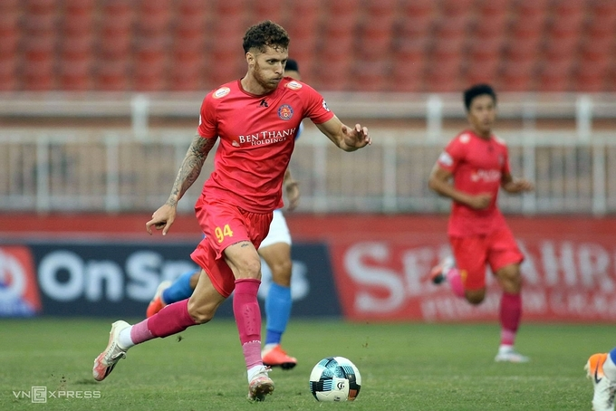 Brazilian attacking midfielder Geovane Magno of Saigon FC during the V. League match with Than Quang Ninh on October 1, 2020. Photo by VnExpress/Dong Huyen.