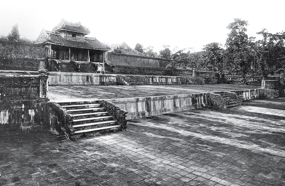 Mossy stone steps at Thieu Tri Mausoleum, the burial place of Emperor Thieu Trii, the third king of the Nguyen Dynasty. This was part of the Hue Monuments Complex recognized by UNESCO as a World Cultural Heritage in 1993. Today, the mausoleum is located in Cu Chanh Village, in Huong Thuy Town.