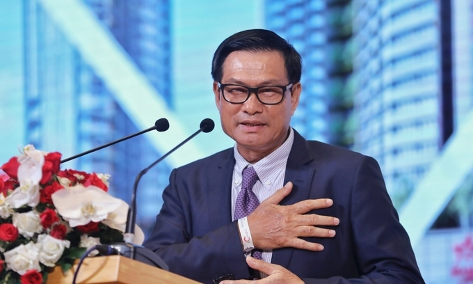 Chairman of Vietnam's largest contractor resigns