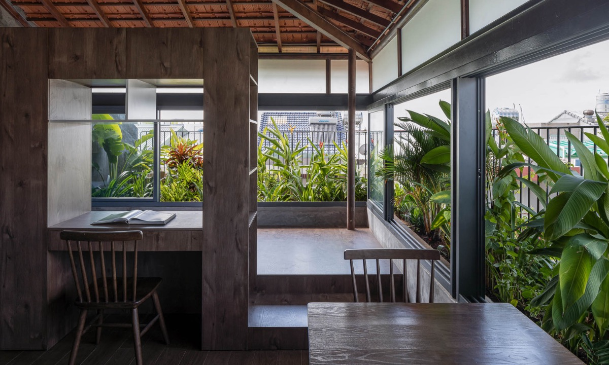 Two garret apartments are more rustic and minimalistic than those downstairs.