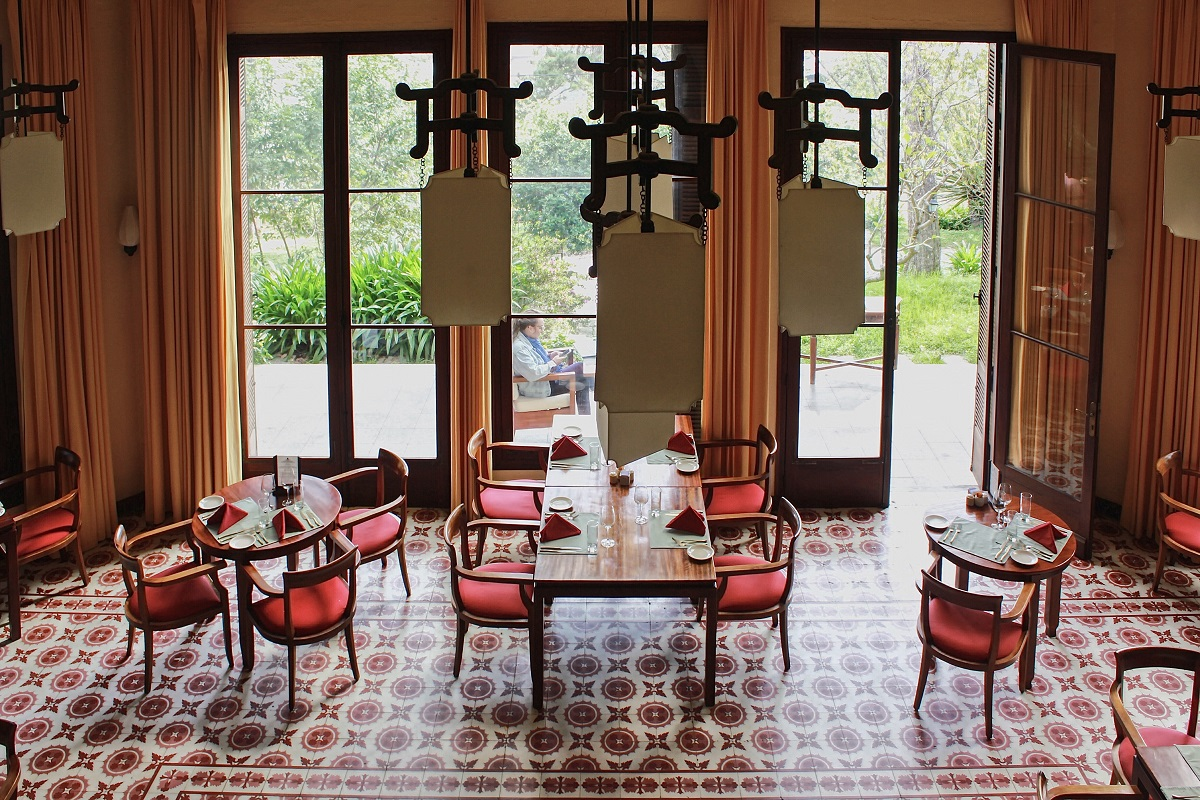 The ninth mansion has a large lobby, which is now utilized to become the resort's restaurant, named Le Petit, which serves breakfasts, lunches, and dinners to visitors.