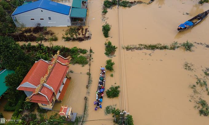 20 dead, 14 missing in central Vietnam floods - VnExpress International
