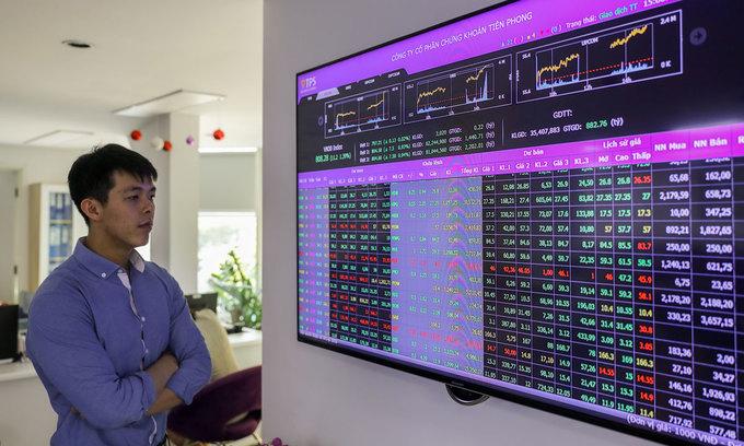 VN-Index hits nine-month peak