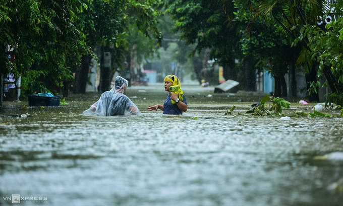 Cold spell, intertropical convergence zone blamed for central Vietnam deluge