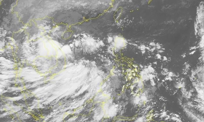 Zero respite for flood-hit central Vietnam as new tropical depression nears