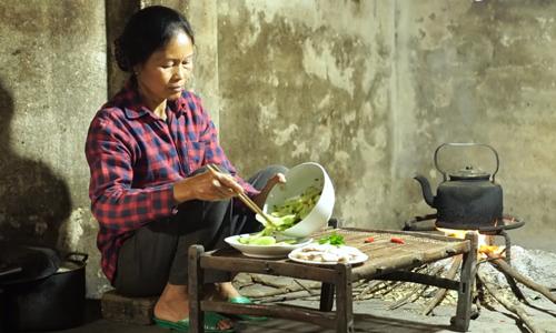 Vietnamese food YouTubers keep hungry audiences hooked