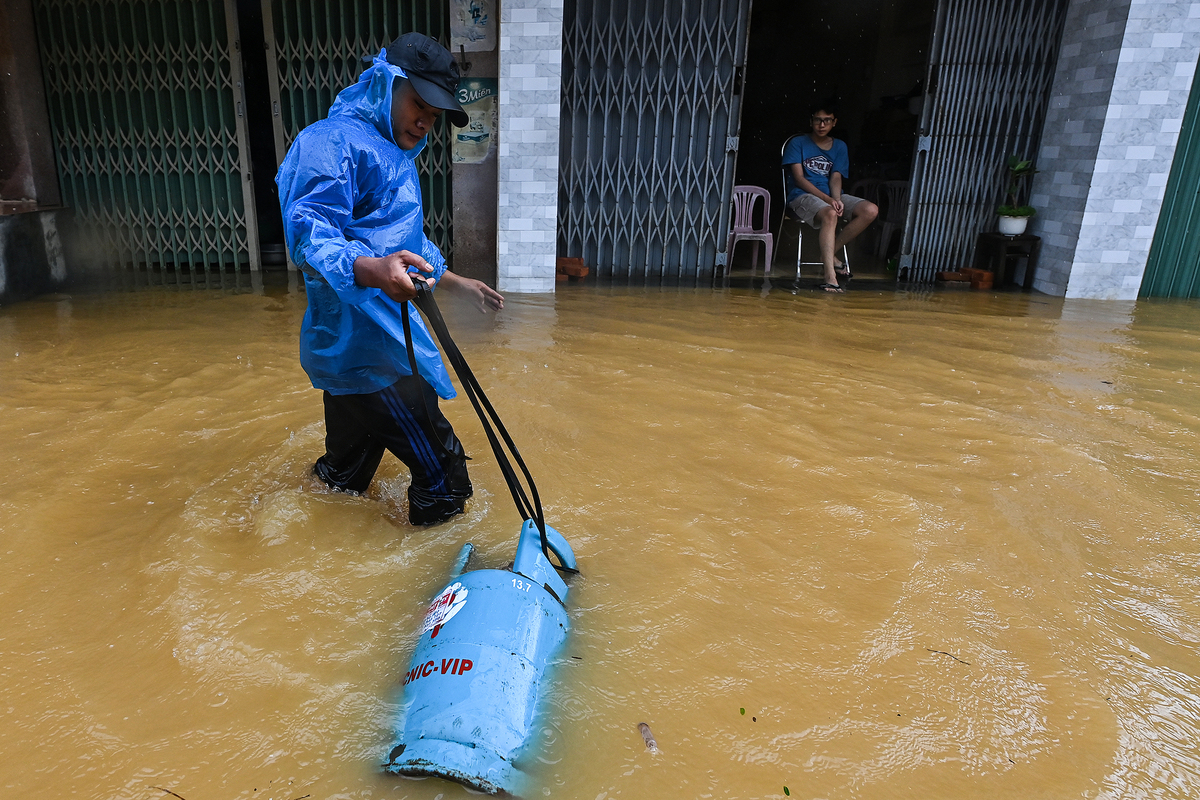 Living with floods in central Vietnam ancient town