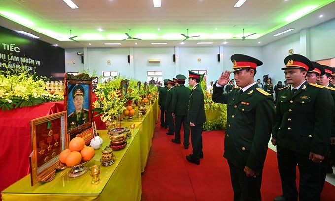 Vietnam mourns 13 rescue team martyrs