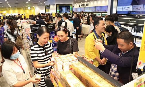 Japanese medical, cosmetic store chain comes to Vietnam