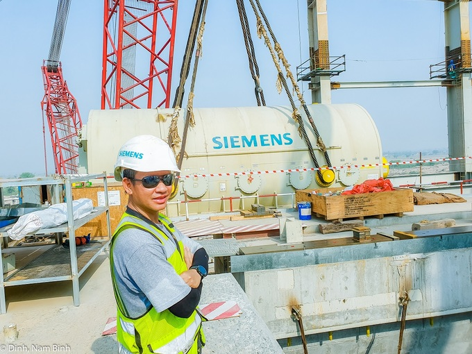 Dinh Nam Binh returns to work as a thermal power engineer in Pakistan in April 2019. Photo courtesy of Dinh Nam Binh.