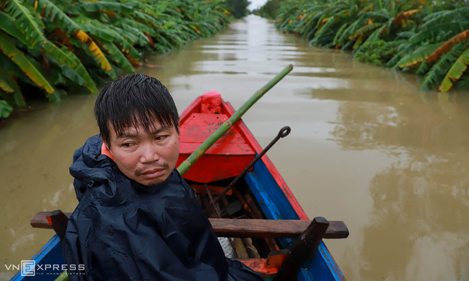 Vietnam flooding deaths soar to 111, loss termed 'worst in five years'
