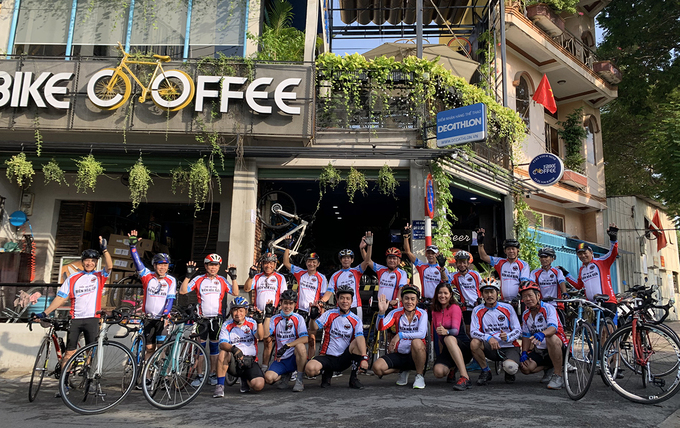 The coffee shop is also called cycling enthusiasts community. People with the same passion come here to share the knowledge of bicycles, how to take care of your bicycle for the long run or how to keep your stamina in weather conditions like rain or hot days on a distance of 60-80 km.