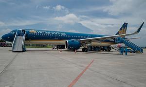 Giant storm Molave cancels flights across central Vietnam