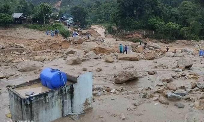 Another Quang Nam landslide kills 5, leaves 6 missing