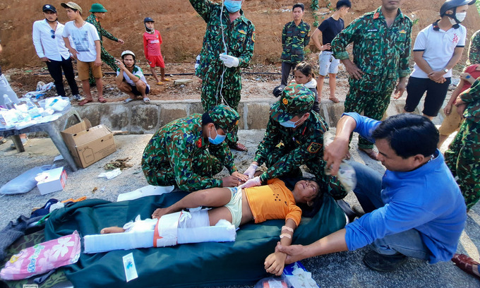 159 succumb to floods, landslides in central Vietnam