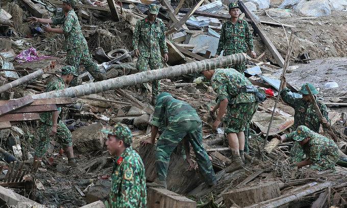 Two more bodies found in devastating Quang Nam landslide