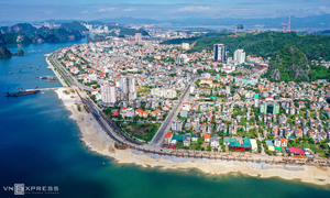 Coastal road expansion offers visual feast of Ha Long Bay
