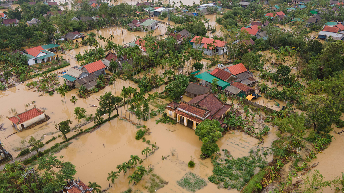 A residential area in Thua Thien-Hue Province is submerged under flood water, October 10, 2020. Photo by VnExpress/Vo Thanh