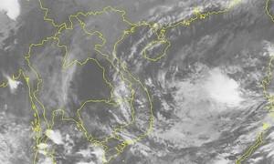Storm Goni enters East Sea, heads for storm-battered central Vietnam