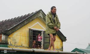 Vietnam receives more flood aids from Australia, Switzerland, Thailand