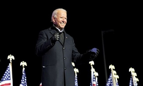 Biden victory: gamut of emotions, expectations among Americans in Vietnam