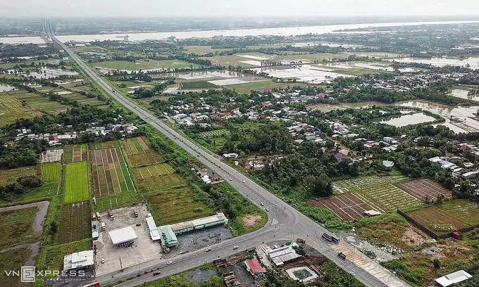 Government okays $2 bln for Mekong Delta infrastructure development