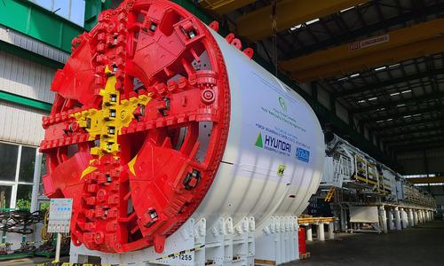 Hanoi metro excavator arrives from Germany