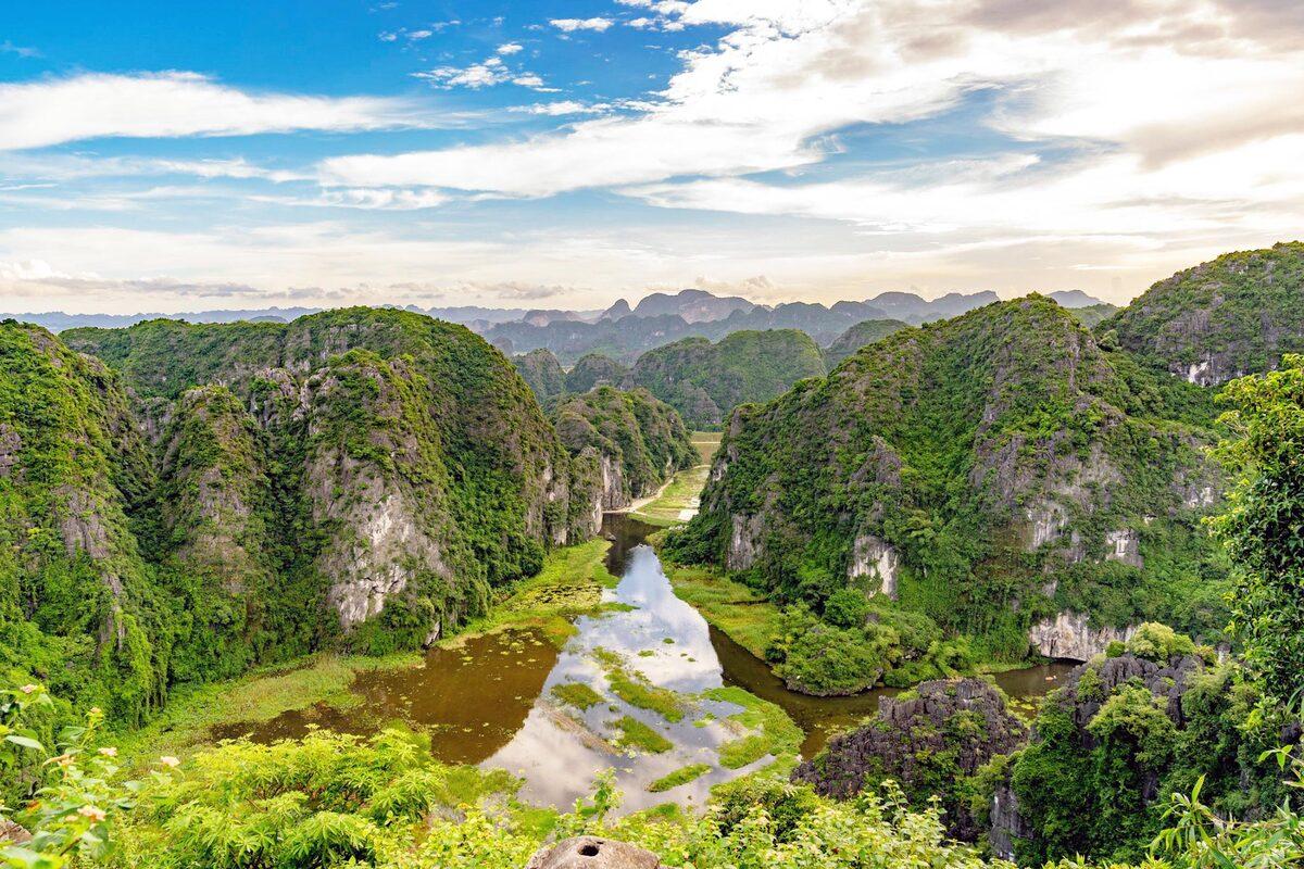 Limestone landscape Trang An boasts charming fall ambiance