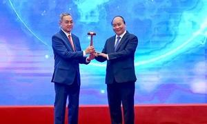 Vietnam hands over ASEAN baton to Brunei